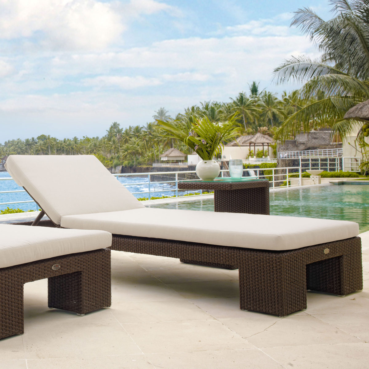 Pacific Chaise Lounger sq