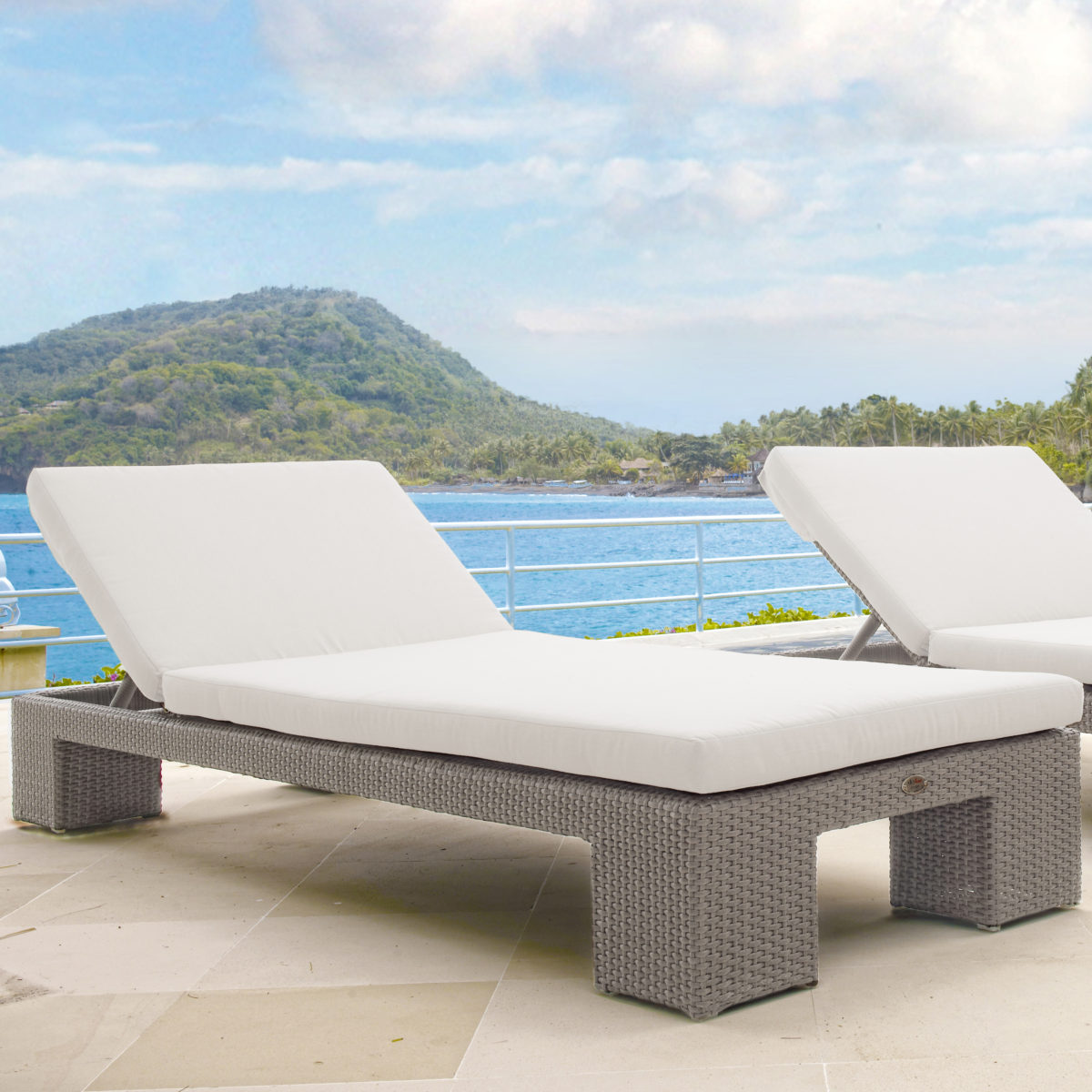 Pacific Chaise Lounger