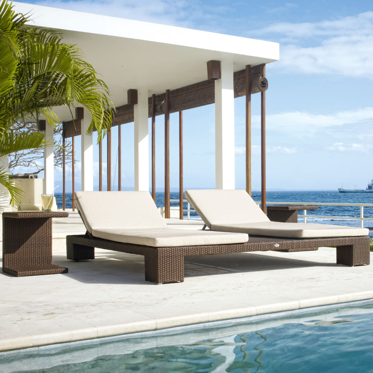 Pacific Double Chaise Lounger sq