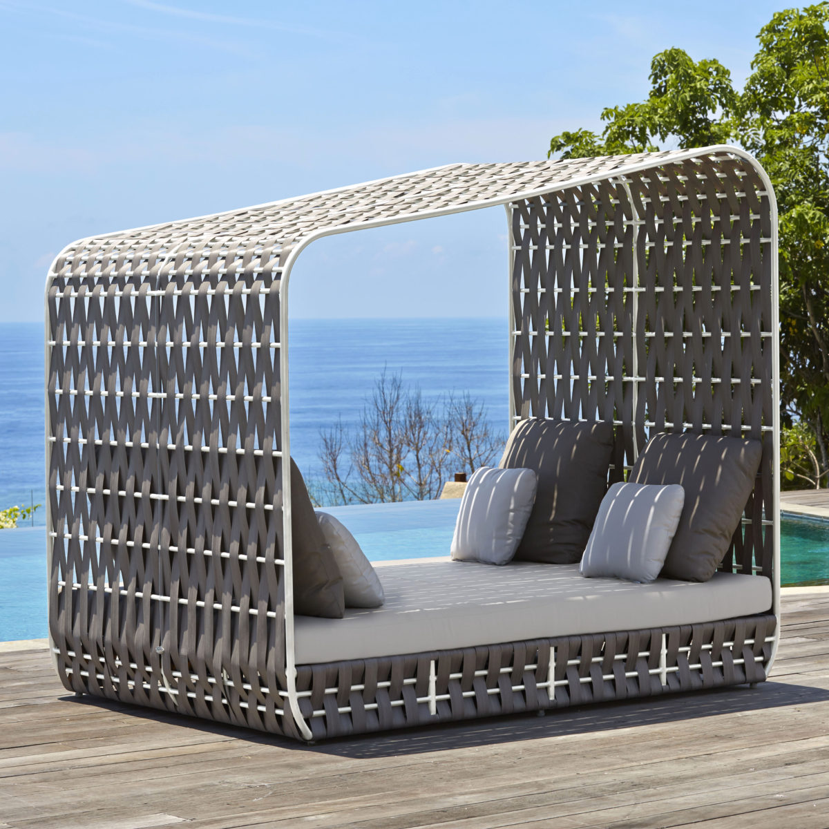 Strips Daybed
