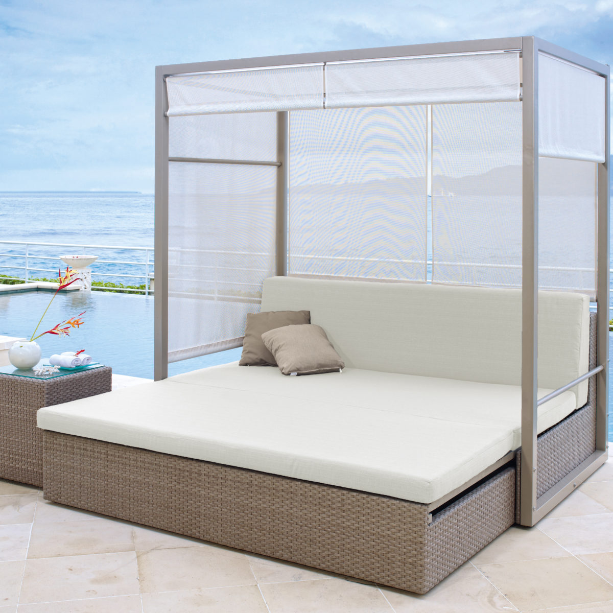 Coast Daybed