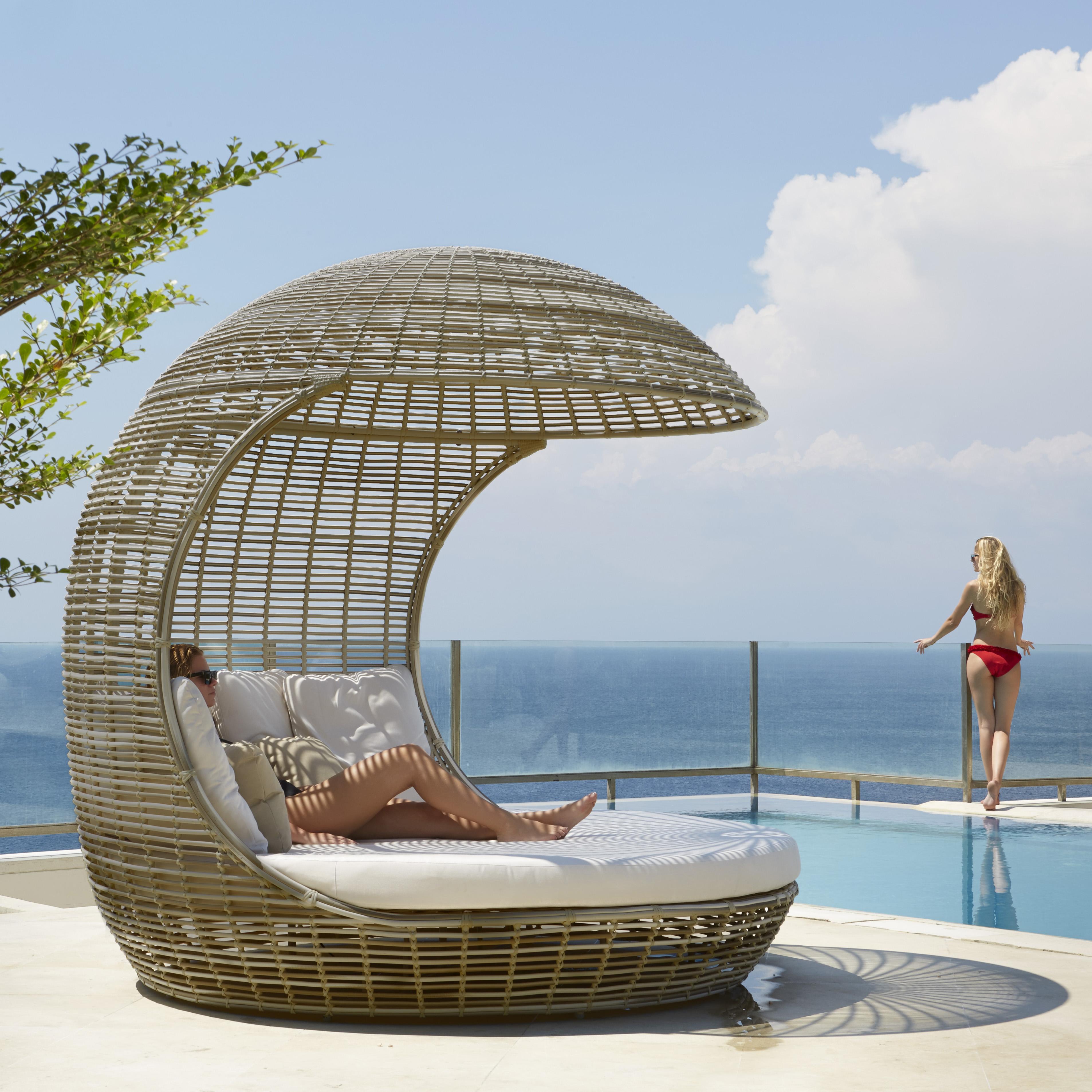 drone daybed skyline design. Black Bedroom Furniture Sets. Home Design Ideas