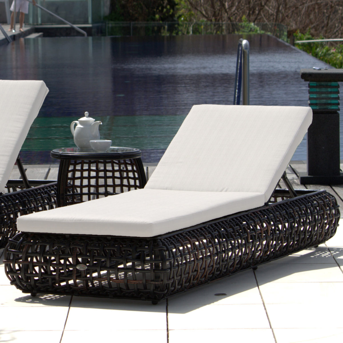 Dynasty Chaise Lounger