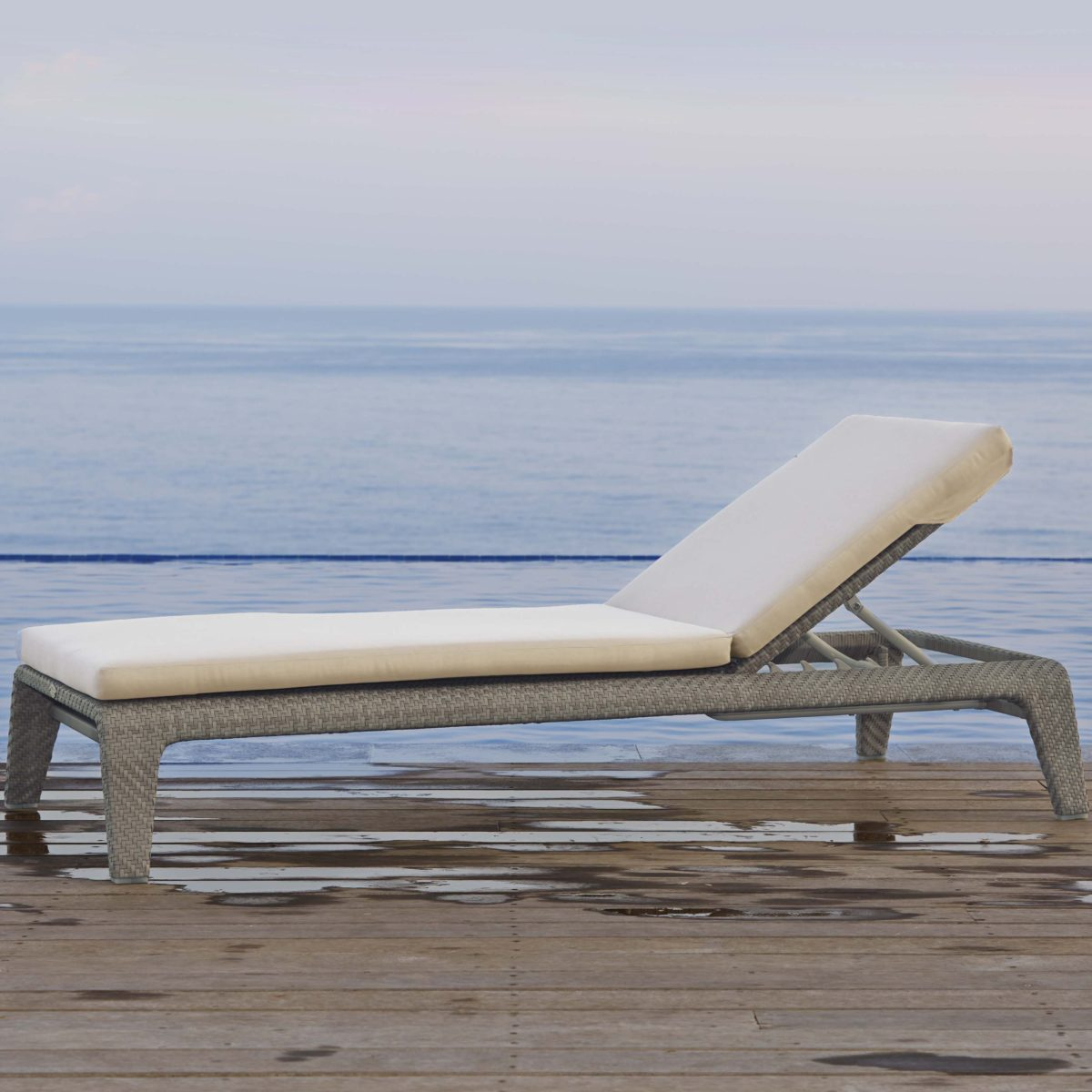 Journey Chaise Lounger