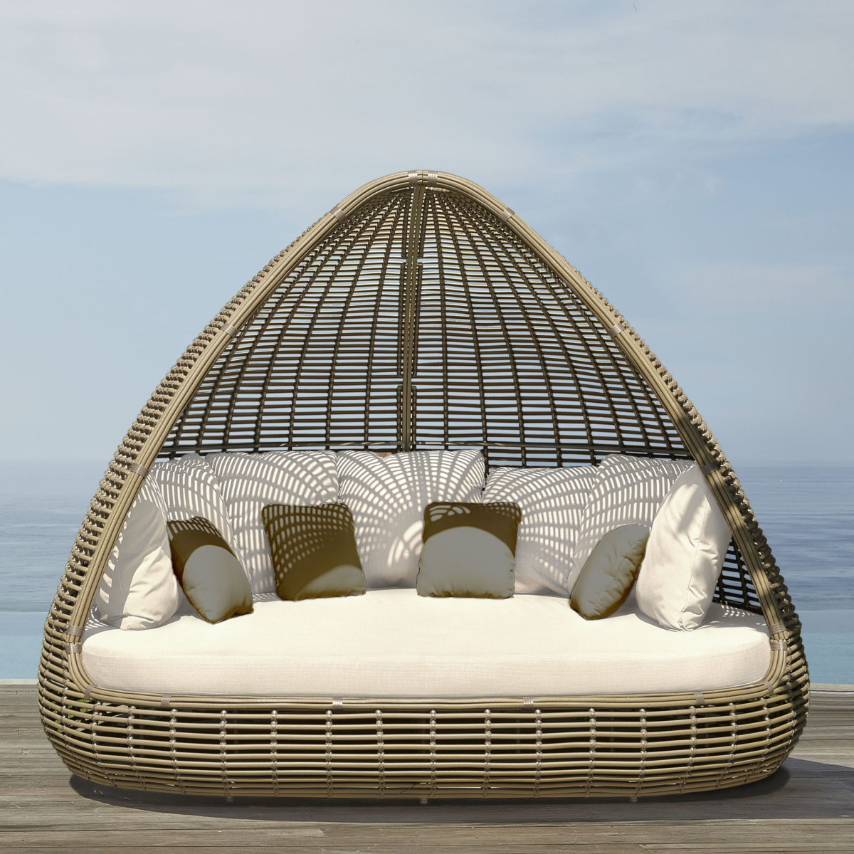 Shade Daybed 1